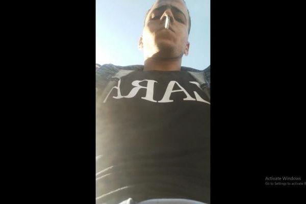 لص يسرق هاتف مراسل صحفي مصري خلال بث مباشر